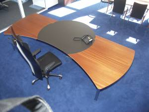 circon executive command - executive desk - Mahogany und Polished Chrome