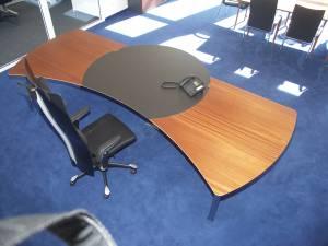 circon executive command - executive desk - Mahogany und Polished Chrome