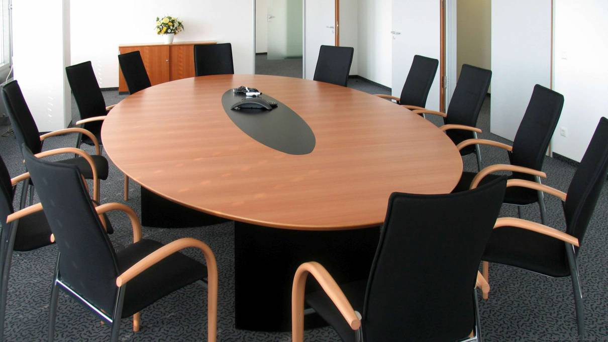 circon s-class - Elliptical conference table - black painted moulded feet and undersides painted glass