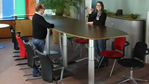 Variconferenz - Variable Conference tables as elliptical or boat table