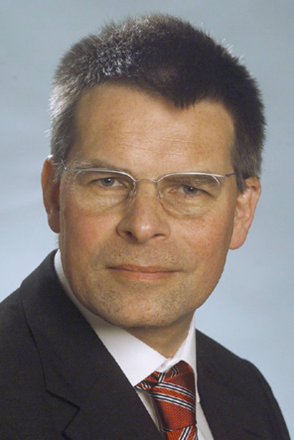 Dr. Hans-Dieter Schat (Fraunhofer ISI): Integral office design is a requirement for excellent Management
