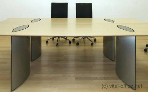 circon executive basic - executive desk - Comfortable hidden cabling from floor to desk top.
