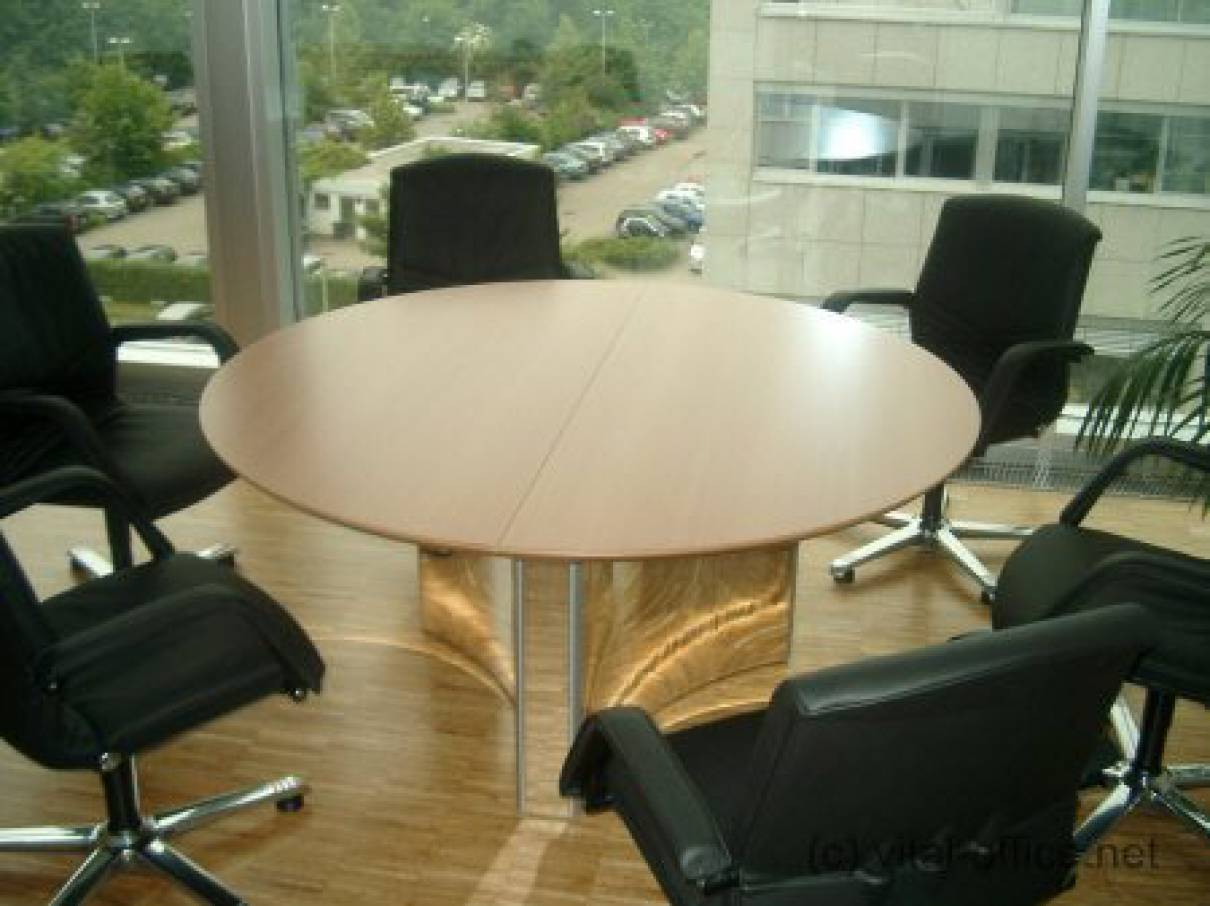 Circon Sclass The Round Table Is The Classic Round Table In - Small round office conference table