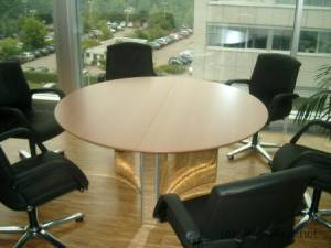 circon s-class - The round table is the classic round table in variations