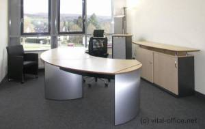 circon executive classic - Executive Desk - Canadian maple and aluminum: the classic combination of a lightish ambience